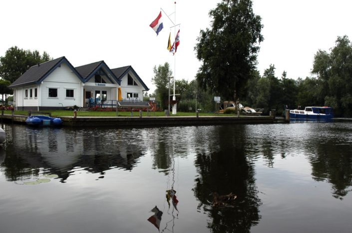 Houten Watersportvereniging Finnhouse 2820 Arkel