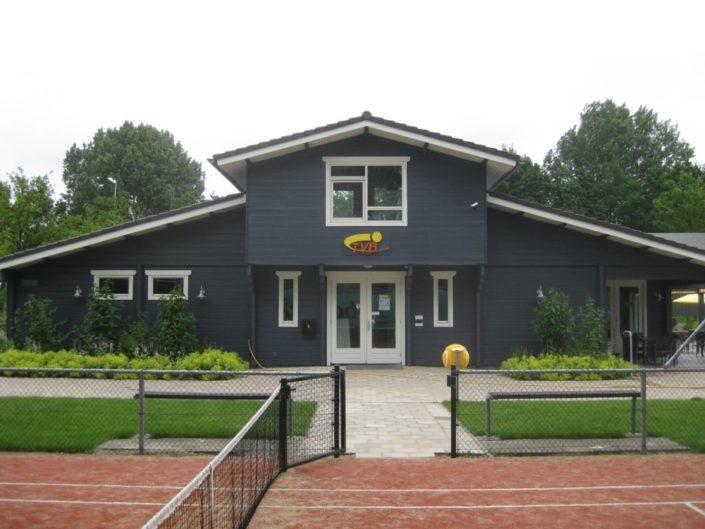 Houten clubhuis 3246