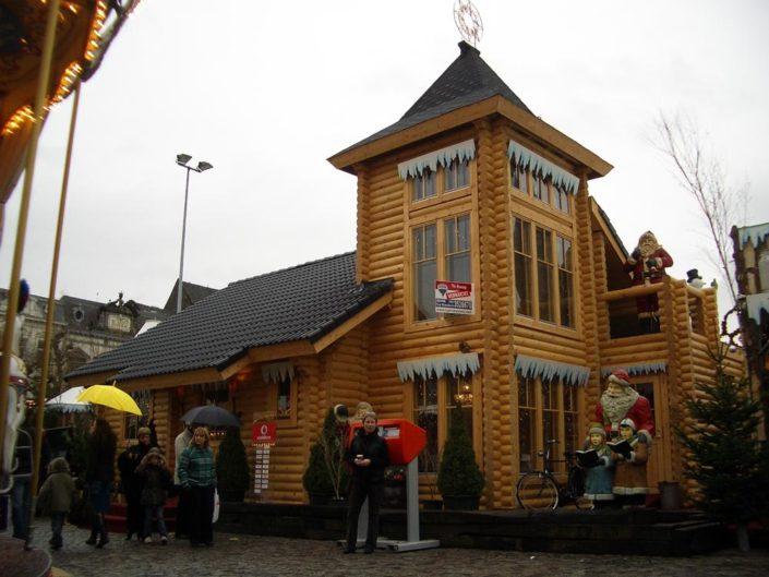 Logbouw 3402 Huis van de Kerstman Maastricht
